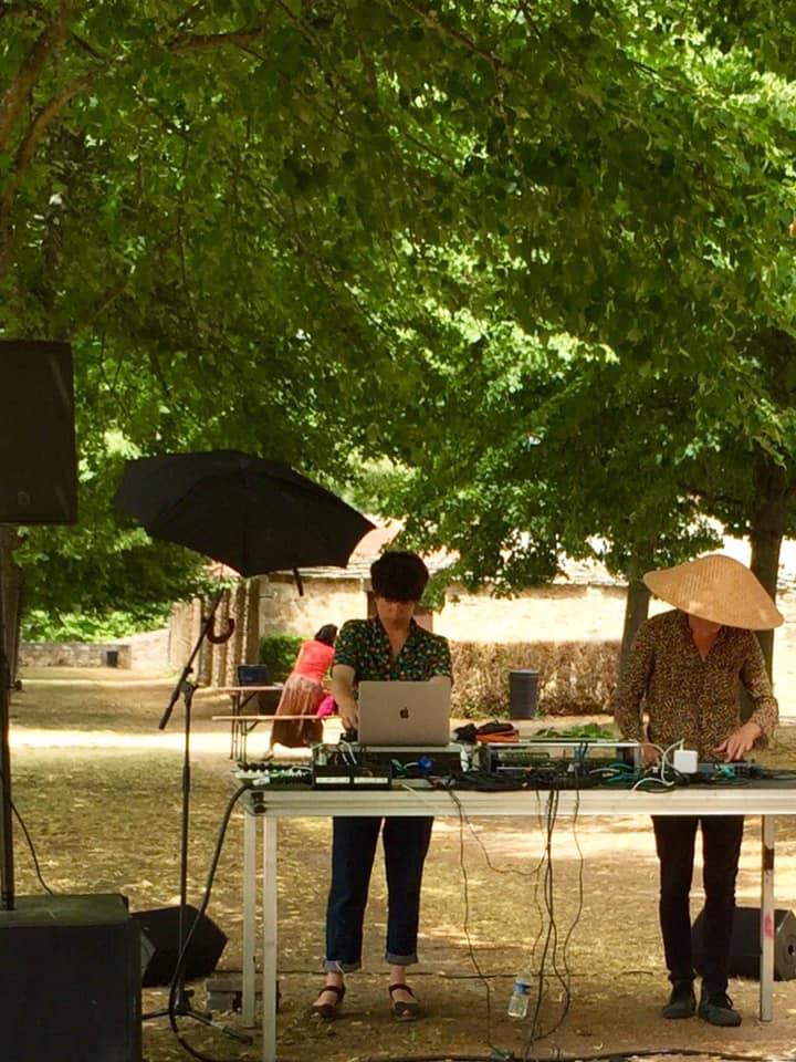 Live «Les Galvachers» au Festival Image Sonore dans le jardin des remparts de Semur-en-Auxois en duo avec :Such:.